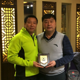 么正杰 中国国家游泳队总教练,曾任五次奥运会教练。  Me zheng jie, Chinese national swimming team head coach, five times Olympic coach.
