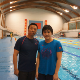 叶诗文:2012年伦敦奥运女子200米400米个人混合泳冠军,破世界记录和奥运记录。 Ye shiwen, Women's 200m and 400m 1M gold medal and break world record in London Olympic 2012